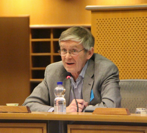 ​Photo: Peder Andersen presenting at the European parliment 3 April 2019. EMB, European Marine Board.